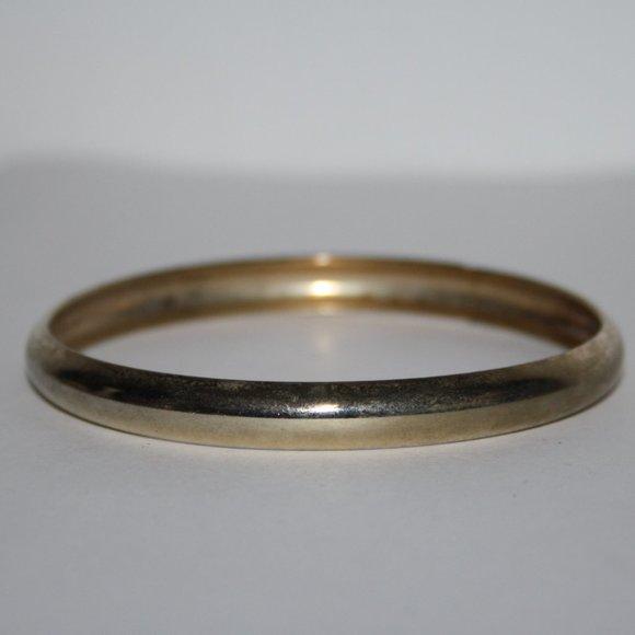 "Beautiful gold bangle bracelet 7"""